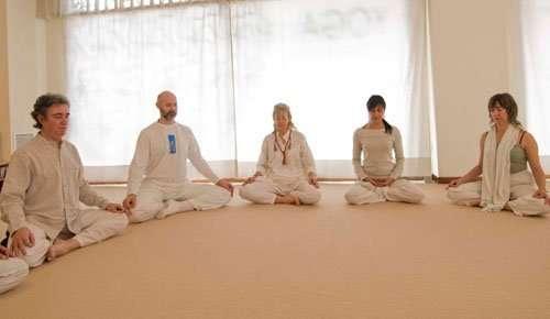 clases de yoga y meditación en zaragoza