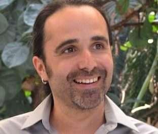 """""""El yoga, como el amor, no se somete a ideas ni ortodoxias"""" – Entrevista con José Luis Cabezas"""
