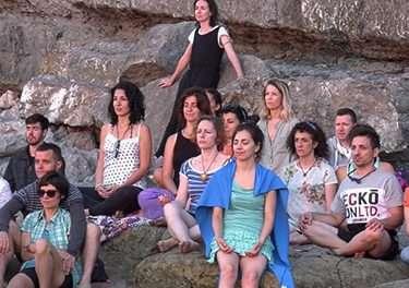 VIDEO Convivencia en Suesa, julio de 2018. Escuela de profesores de Yoga y Yogaterapia.