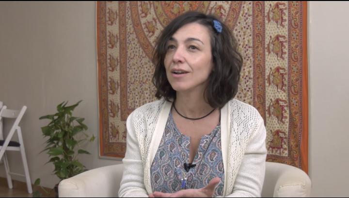 VIDEO Entrevistas Nueva Conciencia: Montse Calderón: «Por muy doloroso que sea, el cuerpo solo te mostrará aquello que estés preparado para recibir».